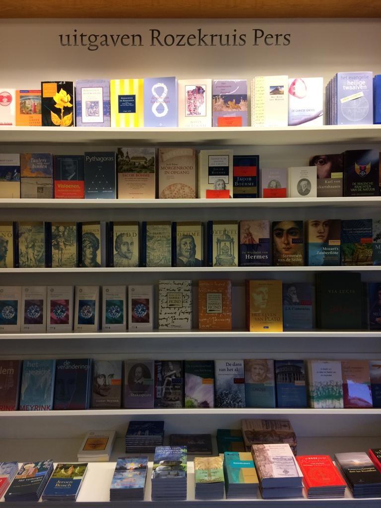Citaten Uit Boeken : Citaten uit boeken van rozenkruis pers opgenomen in de